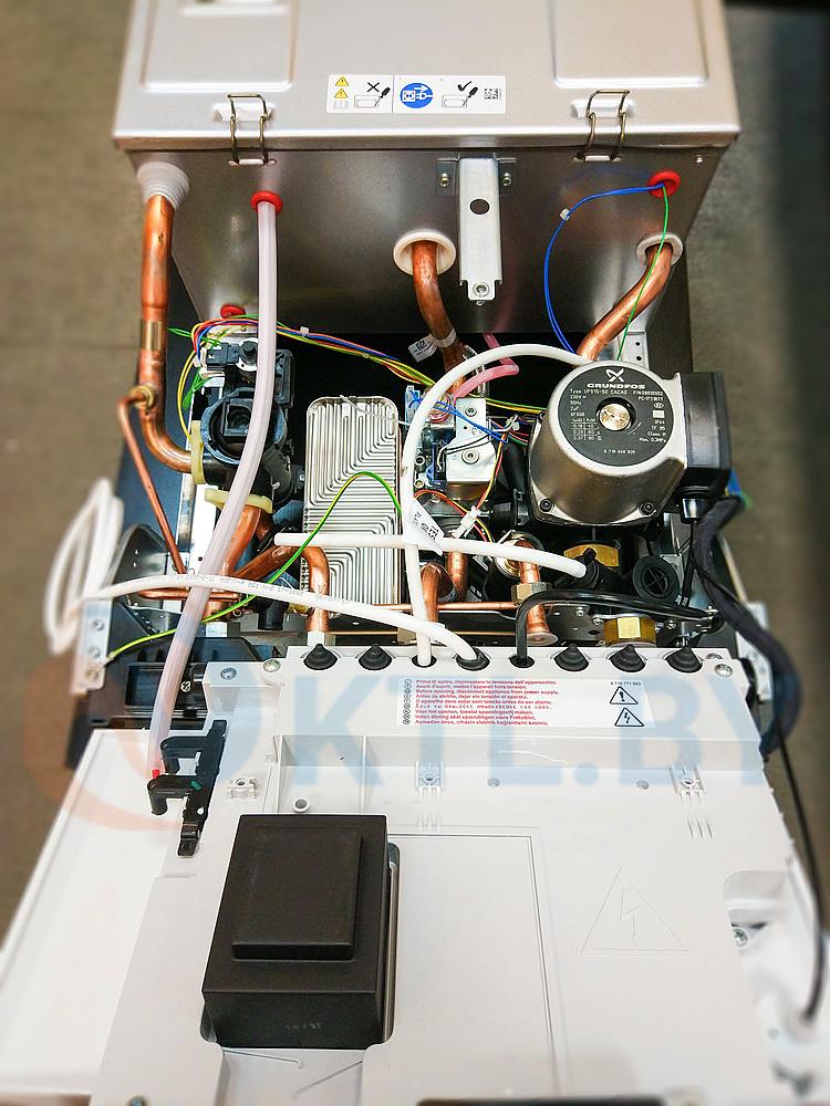 Газовый котел Bosch Gaz 7000 ZSC 28-3 MFA фото6